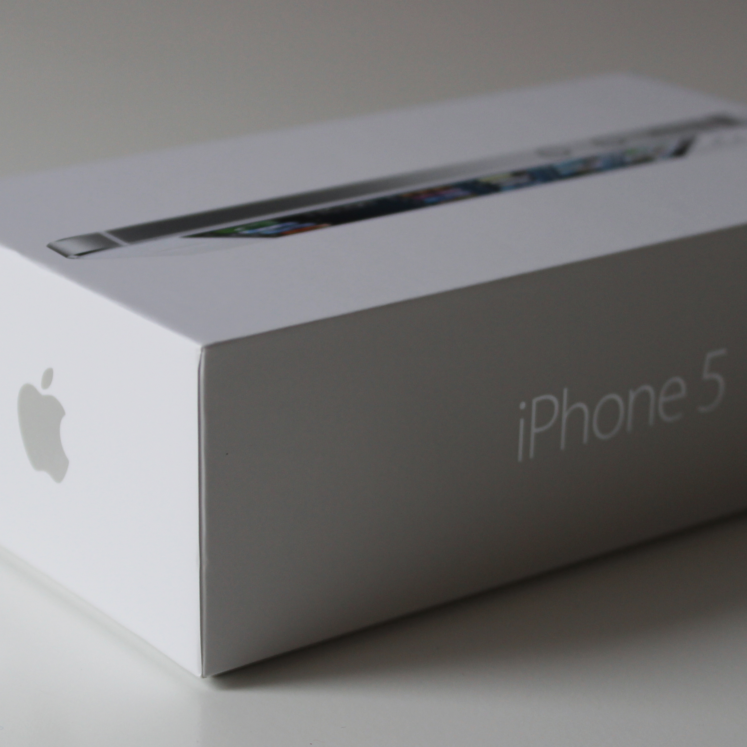 Unpacking the iPhone 5 | Garrett Gee