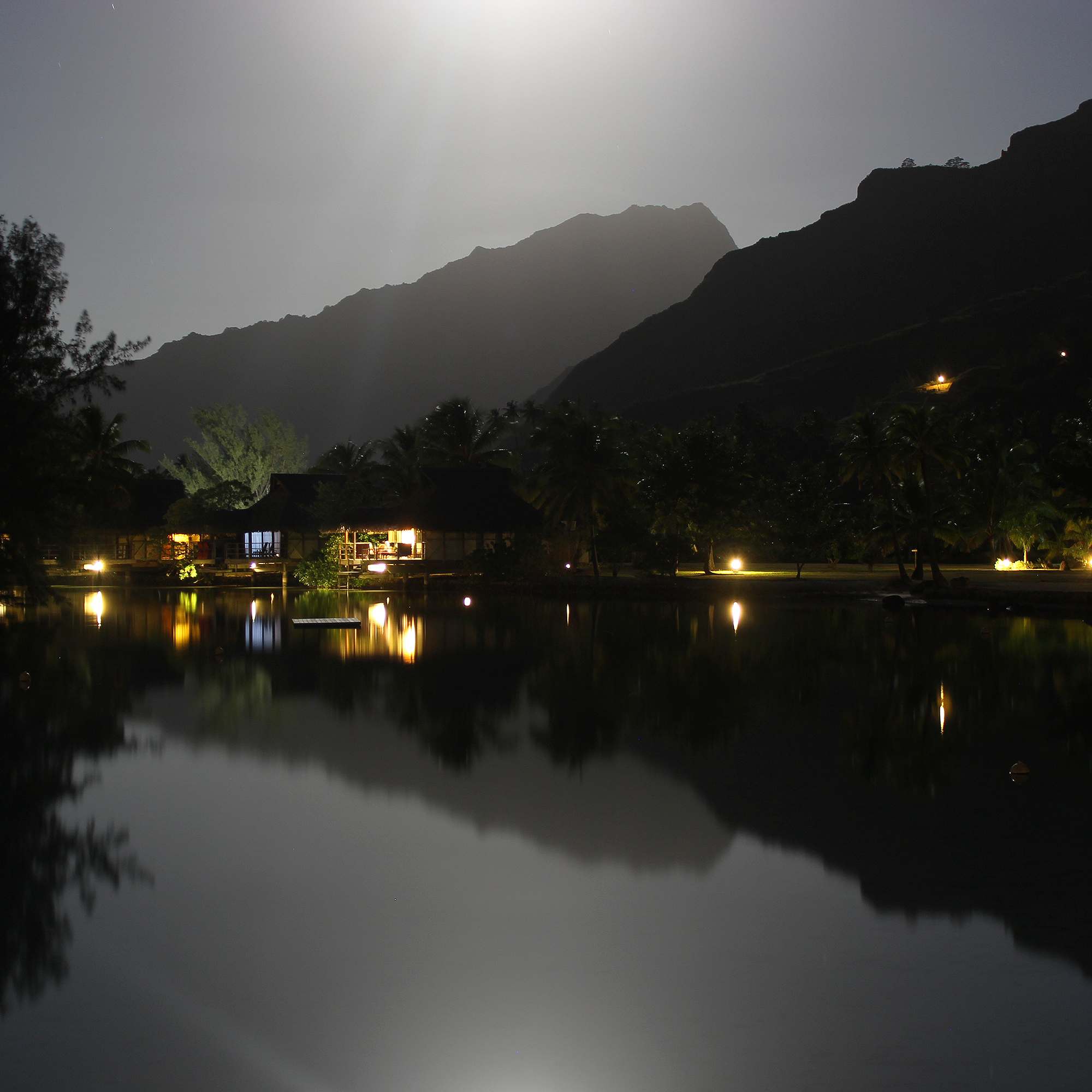 moorea-tahiti-night-reflections