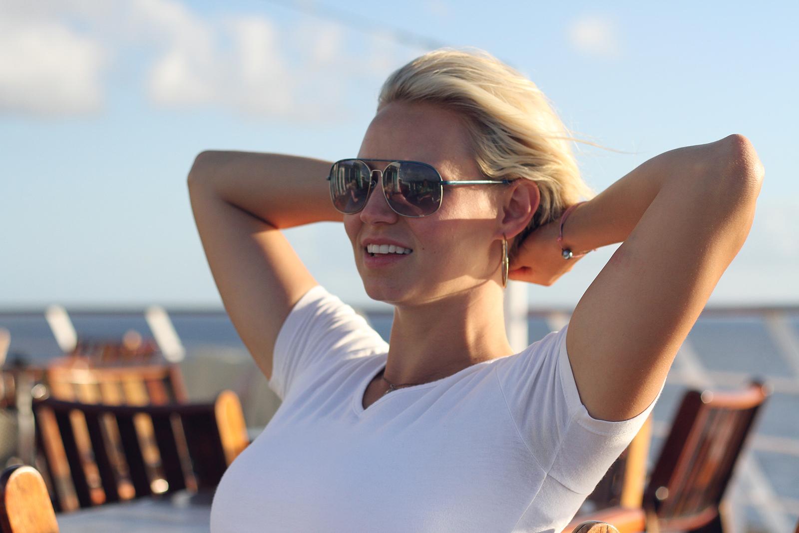 blonde jessica